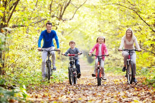 family-cycling
