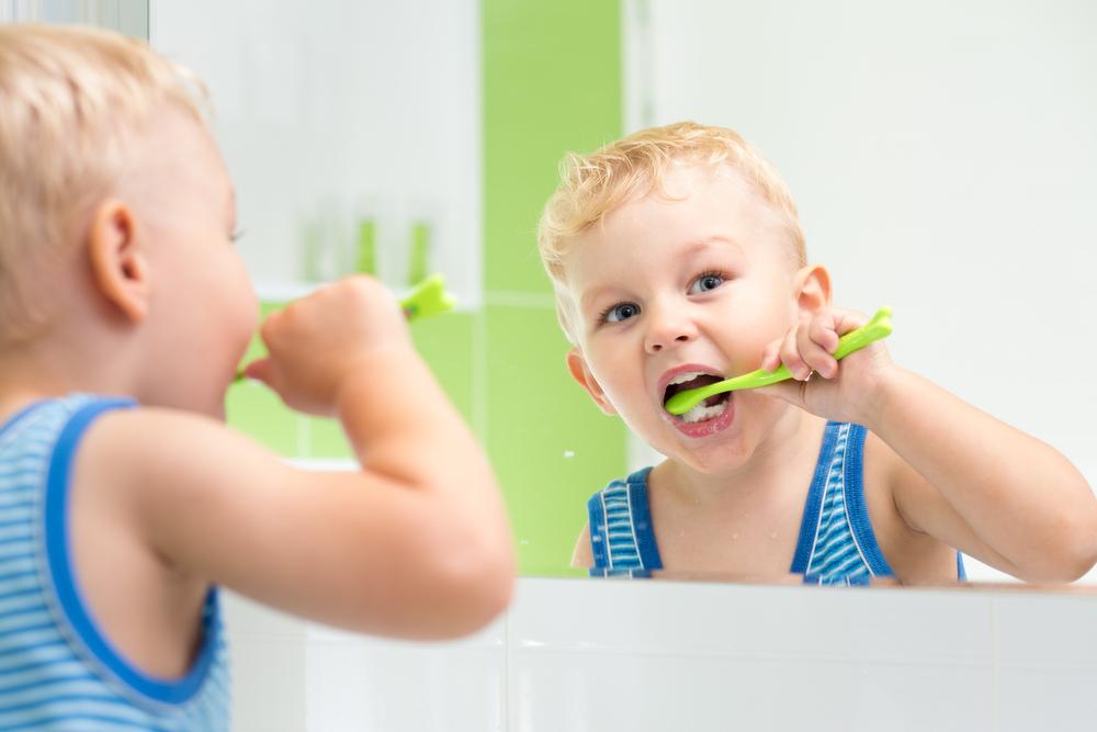 Za zdrave zube deteta, neophodan je nadzor i kontrola od strane roditelja, kako bismo bili sigurni da dete pravilno i dovoljno dugo pere zube.