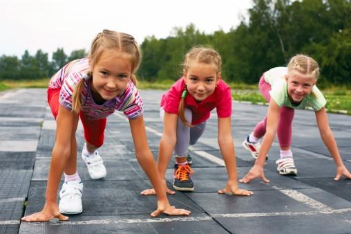 girls-running-track