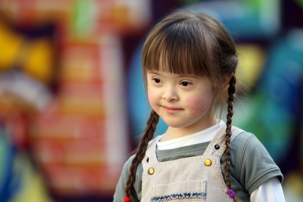 cute-little-girl-outside
