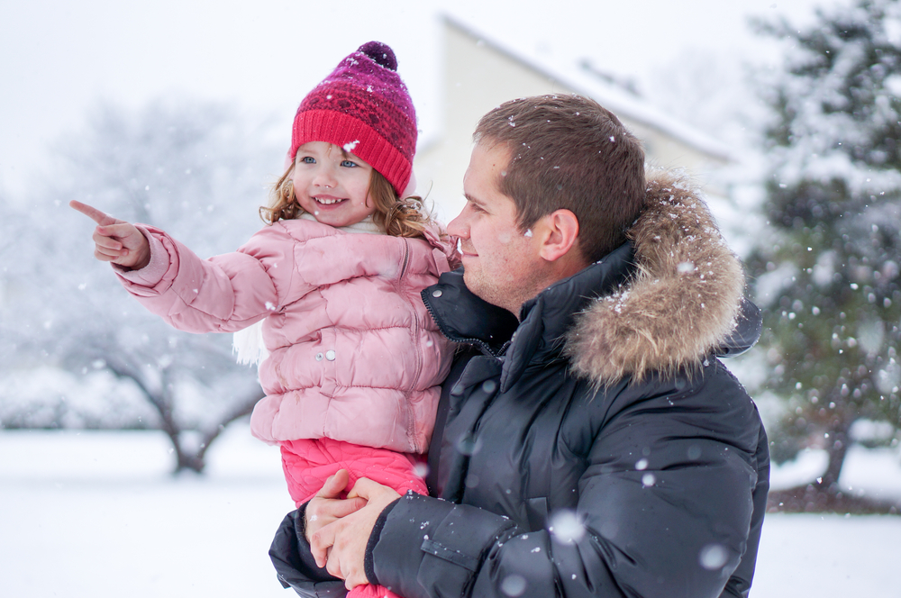 father-daughter-snow