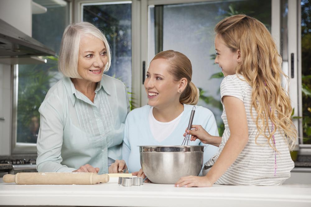 granny-baking