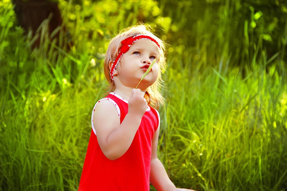 little-girl-outdoors