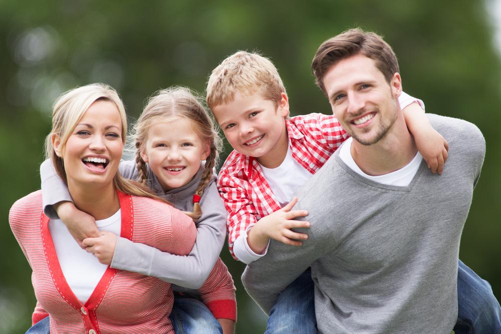 happy-family-in-park