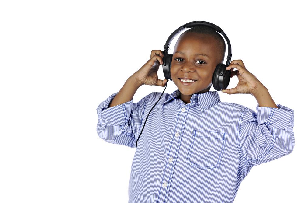 handsome-black-boy-headphones