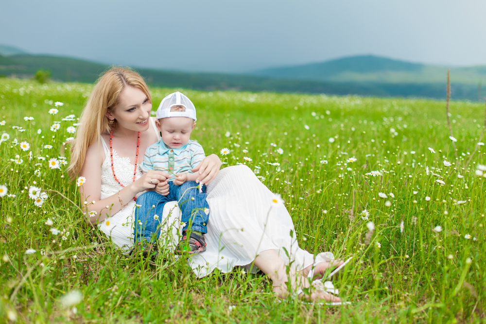 mom-and-little-boy-outdoors