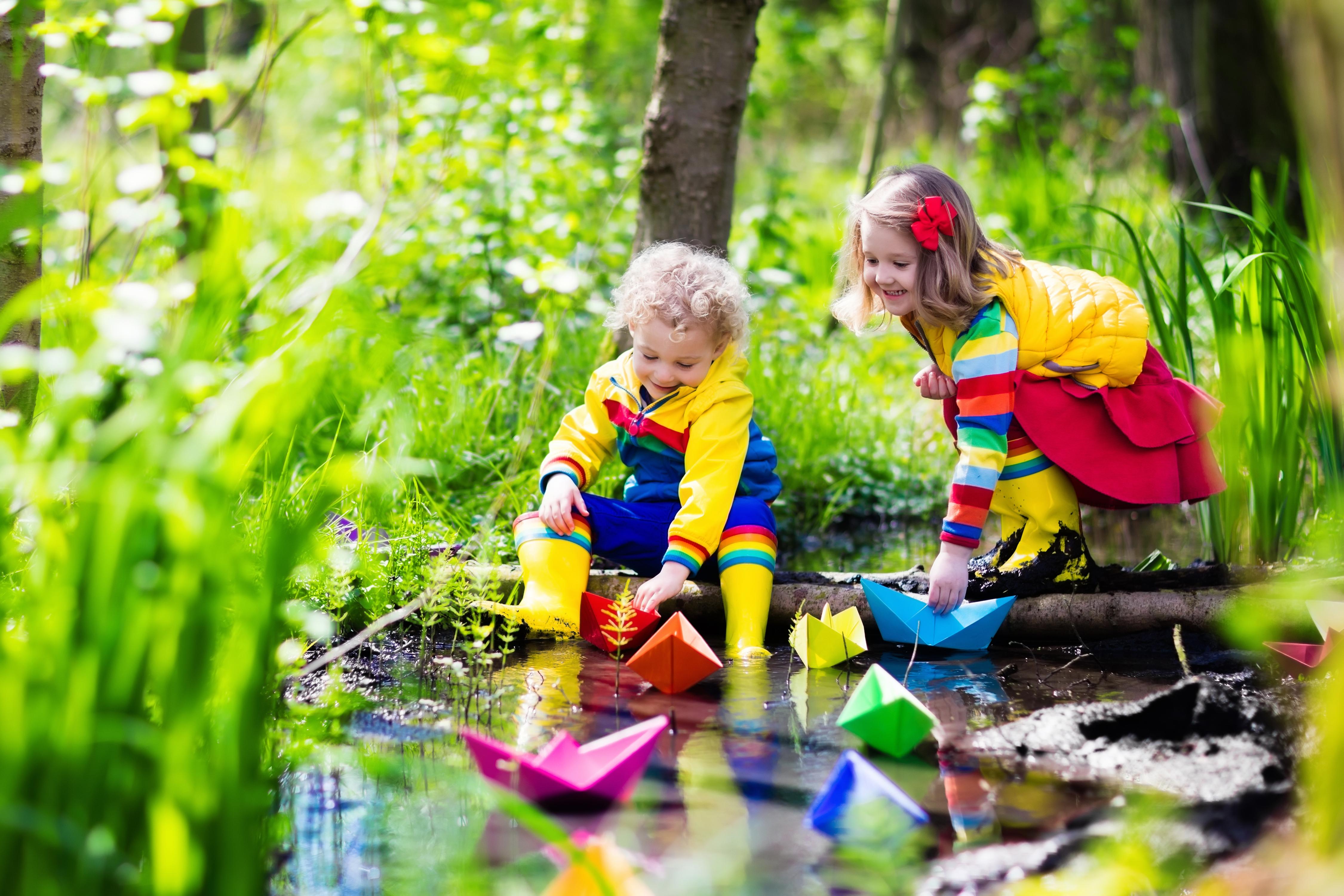 Dokolica donosi nova otkrića. Deca na taj način upoznaju prvenstveno sebe.