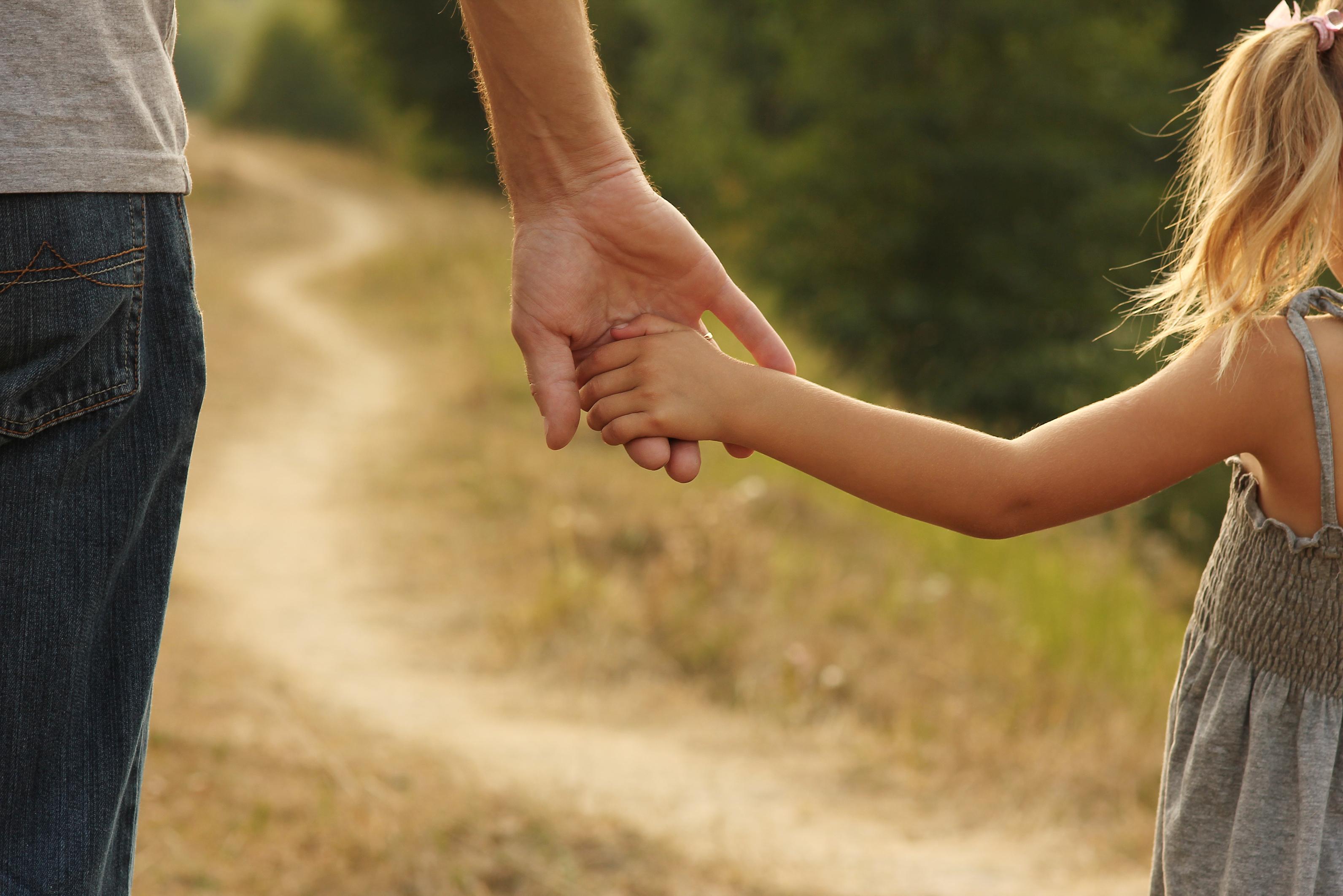 Ako ustanovite da se dete brine, ne umanjujte njegovu zabrinutost govoreći mu da to nije ništa strašno. Recite mu da vam izgleda da je zabrinut zbog toga i da je to sasvim u redu.