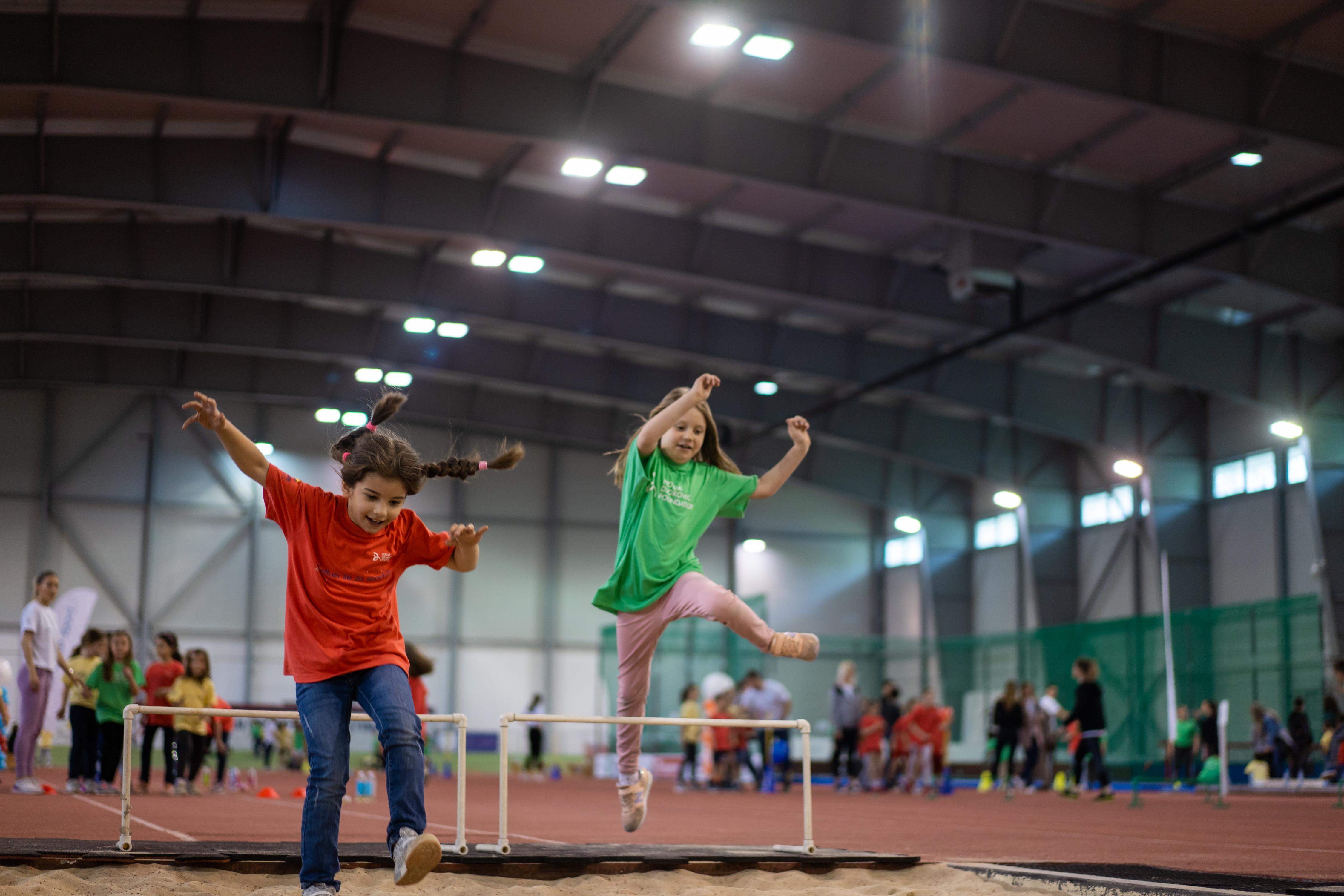 Atletika je pogodna kako za fizički, tako i za mentalni razvoj dece.