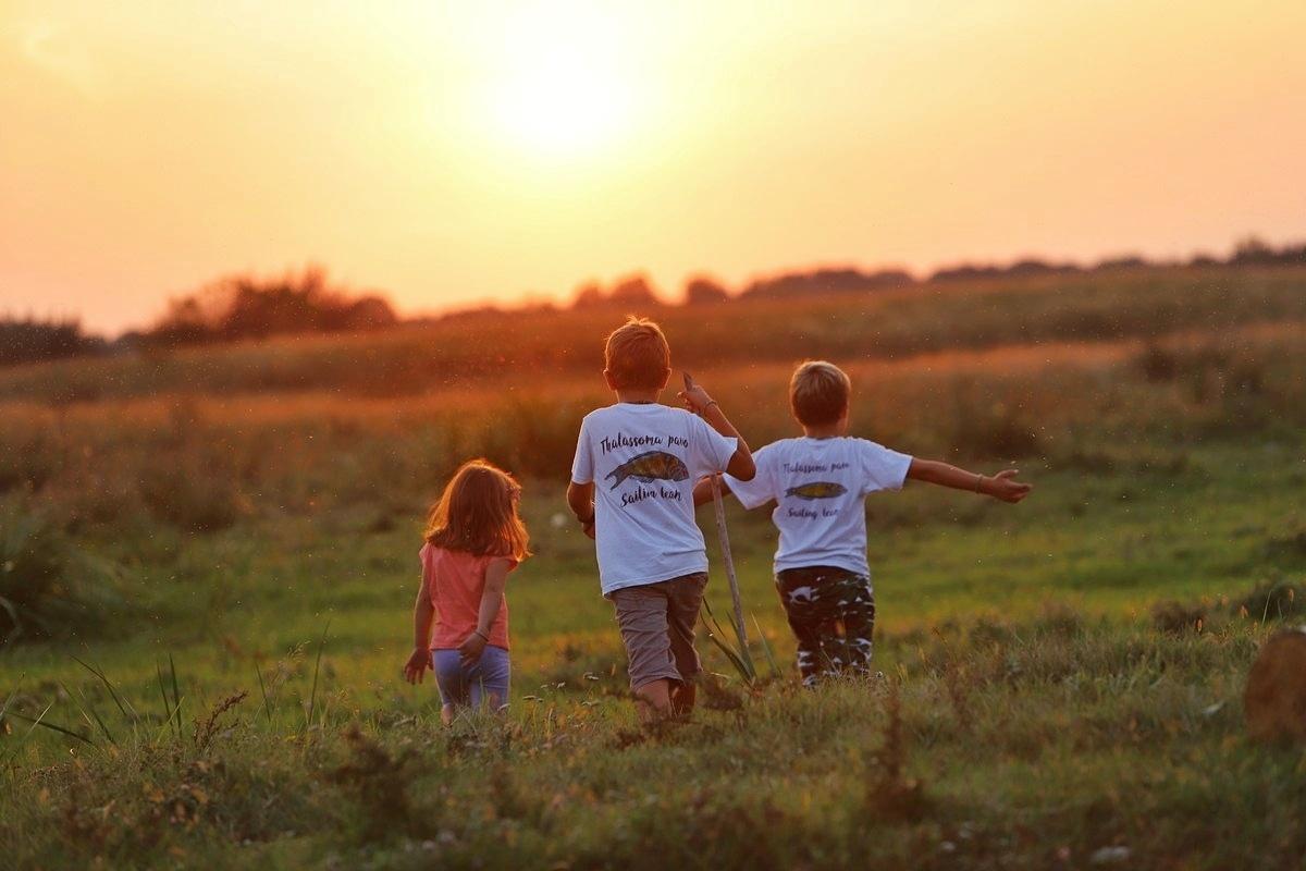 Mini Eko Zona - petočlana porodica koja svaki svoj slobodni trenutak provodi sa decom u prirodi.