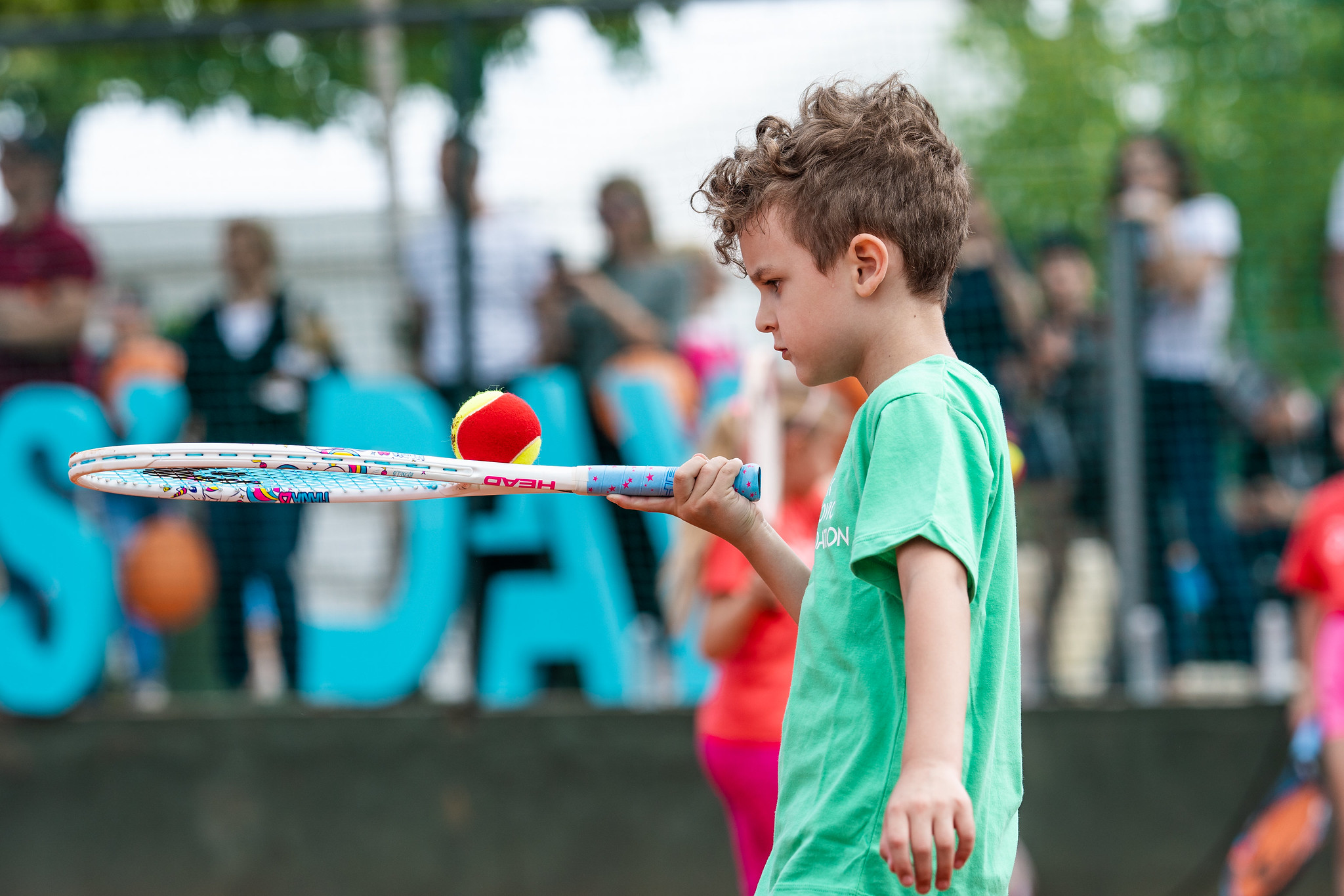 Put profesionalnog sporta je pun prepreka i izazova, koje mogu prouzrokovati kod deteta razne emocije sa kojima ono ne ume da se izbori na dobar način.
