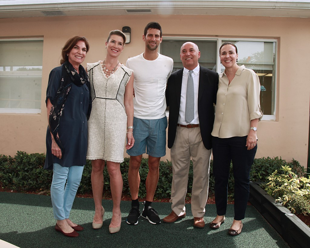 (from left to right) Isabel de Quesada (Centro Mater Foundation Board Member), Elizabeth van Walleghem (CMF Board Member), Novak, Octavio A. Verdeja, Jr. (CMF Chairman), Claudia de la Cruz (CMF Board Member)